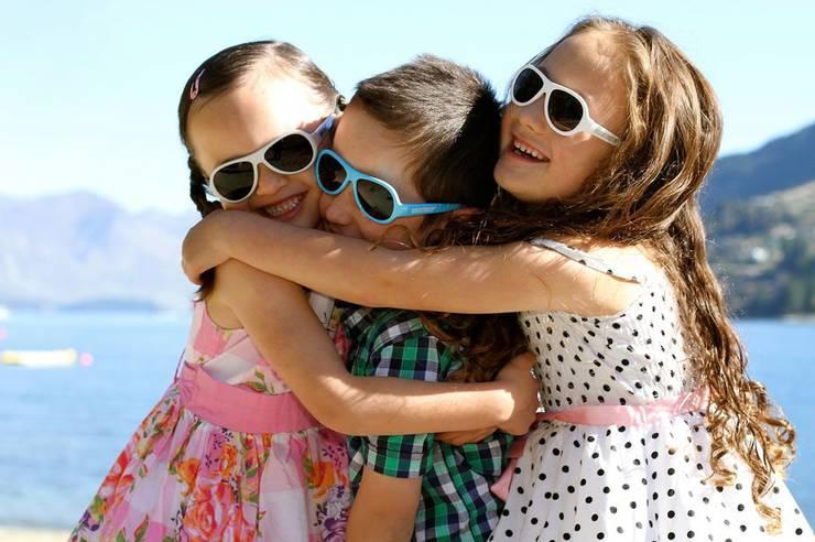 детские-солнцезащитные-очки